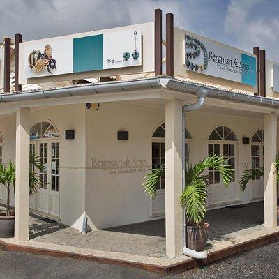 Bergman & Sons, Cooks Corner, Rarotonga