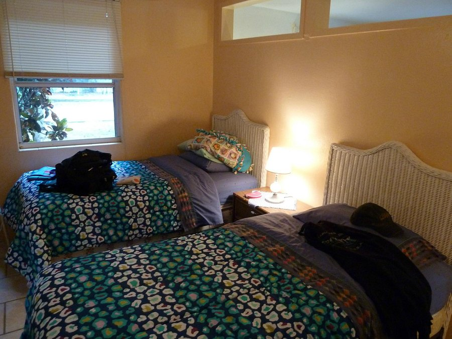 GROVE CITY MOTEL - Prices & Condominium Reviews (Englewood ...