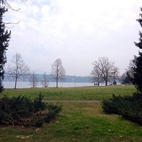A look at lake Leman from the Park