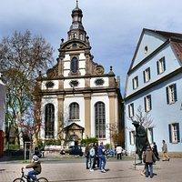 Dreifaltigkeitskirche gesehen von der Maximilianstr.