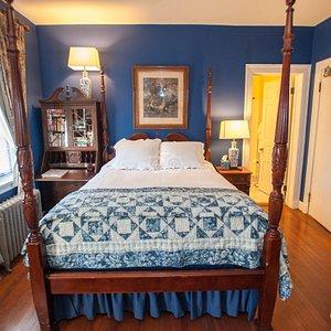 The Blue Double Room at the Taft Bridge Inn