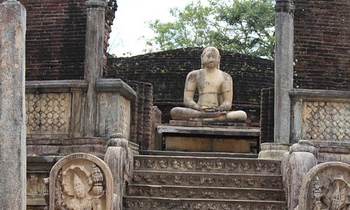 Watadage Buddha Statue