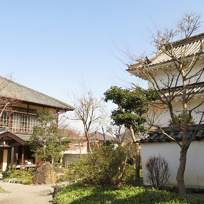 三の丸南隅櫓と旧加藤家主屋外観景観