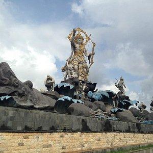Patung Titi Banda Denpasar