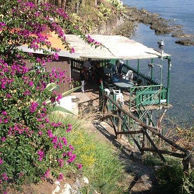 Un paradiso naturale a due passi dai punti di immersione e dalle calette più suggestive di Milaz