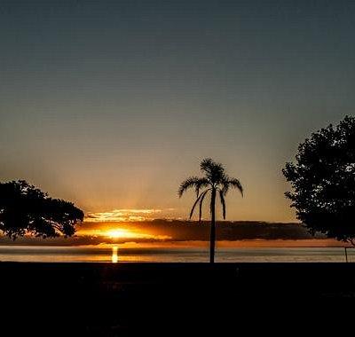 Nascer do sol na praia do Laranjal