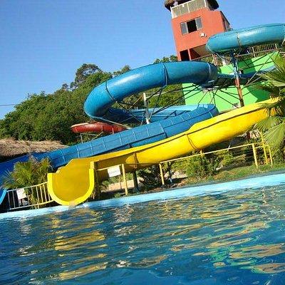 Parque Aquático Isidoro toboáguas