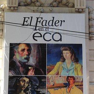 Painel na fachada externa.