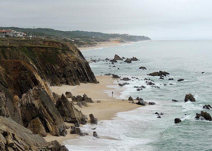 la costa con scogli