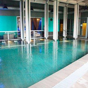 piscina e area relax