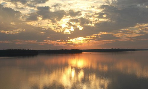 Beutiful sunset at the Dam