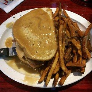 Turkey sandwich with gravy and fries