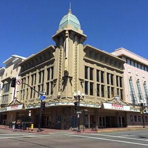 Glorious old theatre building: Reading Gaslamp 15