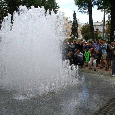Фонтан на Покровській площі Сум