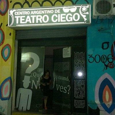 El frente del Teatro
