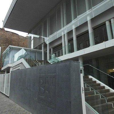 Aufgang zum Museum BAM, Mons, Belgien