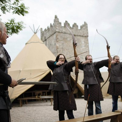 fire live arrows in game of thrones archery range during your set tour