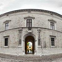 Palazzo dei Diamanti scatto Fish Eye