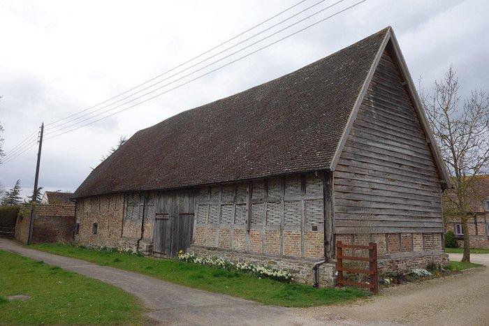 Estate tithe barn