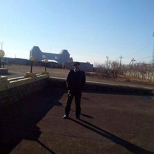 Вид со стороны Забайкальска. Чуть ближе - виднеется российская, которая гораздо меньше.
