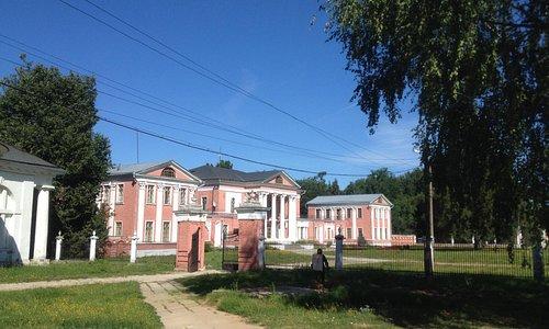 Усадьбы Гончаровых и Чернышевых