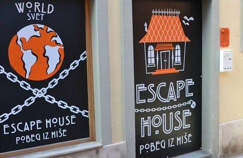 Escape house Koper - outside