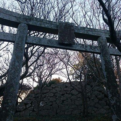 勝本城跡入口付近