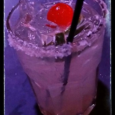 Best hand-made margaritas (both virgin & regular) in the city. No pre-made mix!
