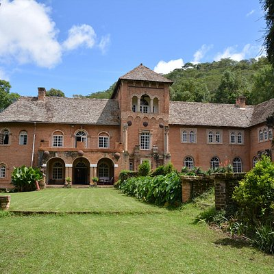 The manor house in full spendor