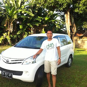 Your comfortable vehicle for touring, and your friendly guide Leo.