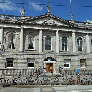 Dublino, St Steven's Green, il Royal College of Surgeons