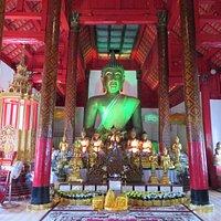 仏像照明緑色