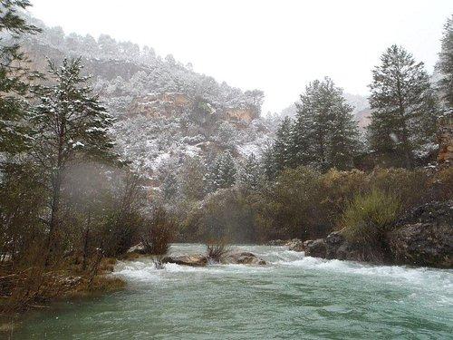 Alto tajo en invierno cerca del puente San pedro