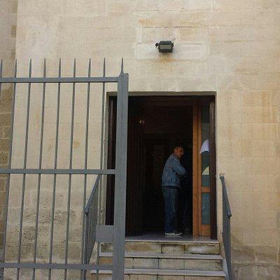 Ingresso monastero dove ritirare i dolci a natale e a pasqua