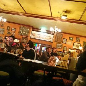 Bar lotado