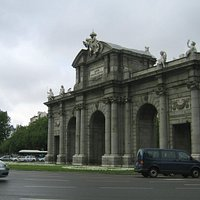 Пуэрта де Алькала на Пласа Индепенденсья