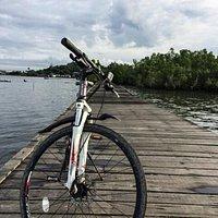 Bersepeda ke jembatan ulin