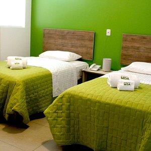 Cómodas y silenciosas habitaciones Dobles ( 2 camas de 1 1/2 plazas)