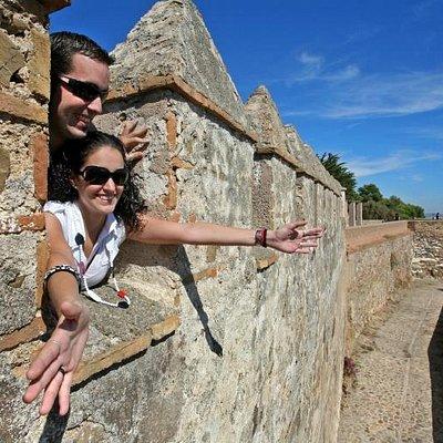 Students at the walls of Gibralfaro