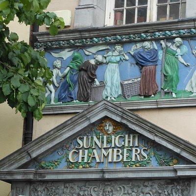 Dublino, le Sunlight Chambers dei fratelli Lever