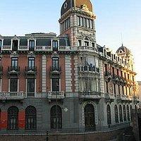 Fachada desde Plaza de España