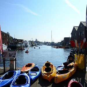 Paddle down the Exeter Canal