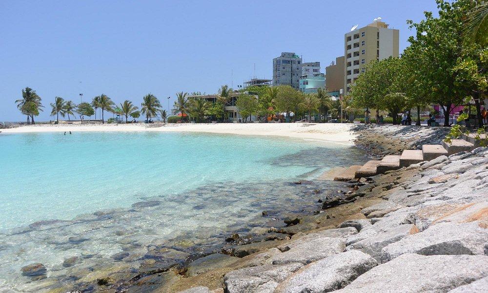 Bãi biển nhân tạo