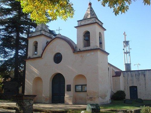 2- El frente de la vieja capilla historica