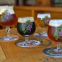 Opções de copos disponíveis: em 170 ml e 300 ml (apenas)