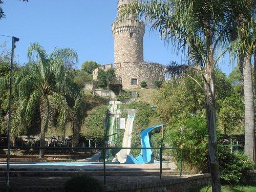 2- Torreon con toboganes