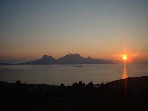 Midnattsol, Utsikt fra Rønvikfjellet, tilgjengelig med bil og med med masse merkede turstier.