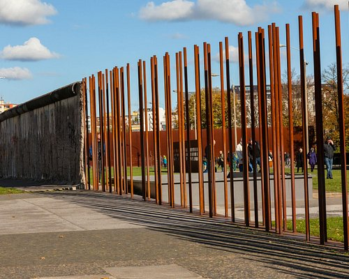 Replicated course of the Berlin Wall © Berlin Wall Foundation, J. Hohmuth