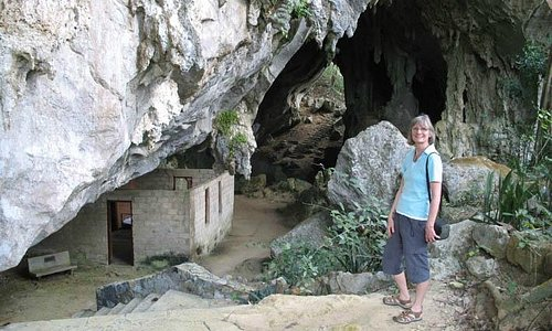 large cave with office Che