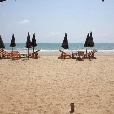 zo is het heerlijk, lekker rustig, weinig buitenlanders en in de weekenden Thaise families.